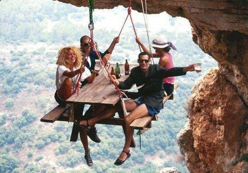 Extreme picknicking