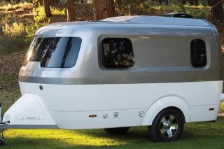 Airstream-nest-fiberglass-camper-700x467