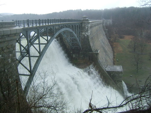 Croton_dam_and_river_41607_118