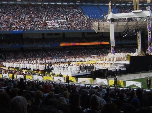 Pope_mass_42008_050