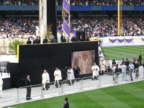 Pope_mass_42008_232