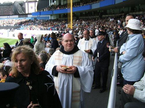 Pope_mass_42008_237