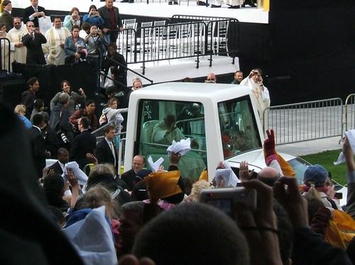 Pope_mass_42008_262