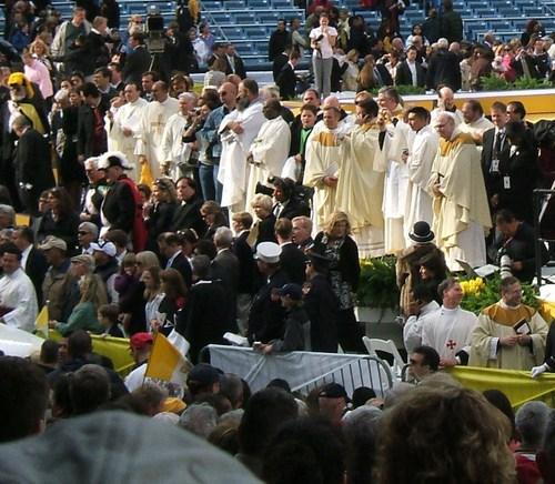 Pope_mass_42008_257